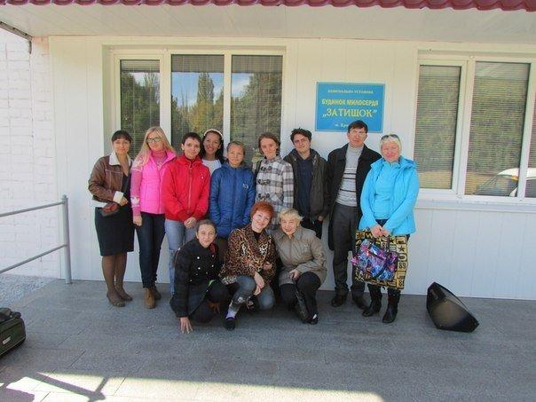 Волонтеры организовали концерт для пожилых людей, фото-1