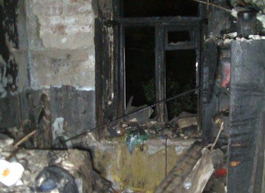 В Харькове сильный пожар чуть не уничтожил двухэтажный дом (ФОТО, ВИДЕО), фото-1