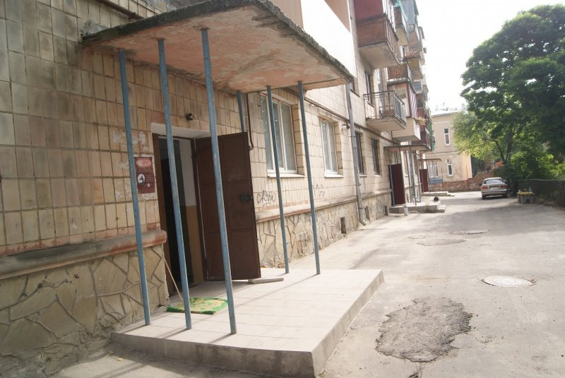 Як ремонтують сходові клітки в тернопільських будинках? (фото), фото-2