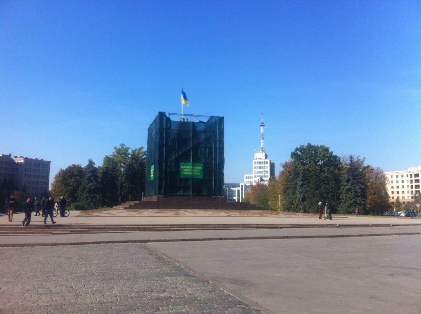 Крест с постамента памятника Ленину сняли по приказу Кернеса, фото-2