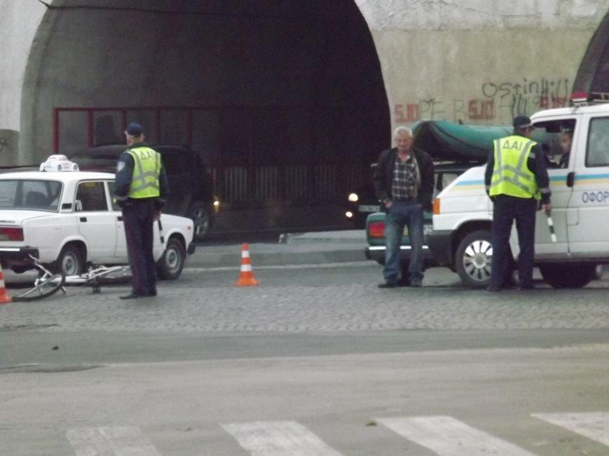 Біля залізничного моста збили велосипедиста (фото), фото-2
