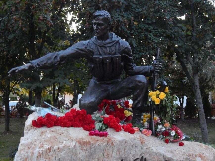 В Киеве появился памятник воинам, выполнившим свой долг (ФОТО), фото-1