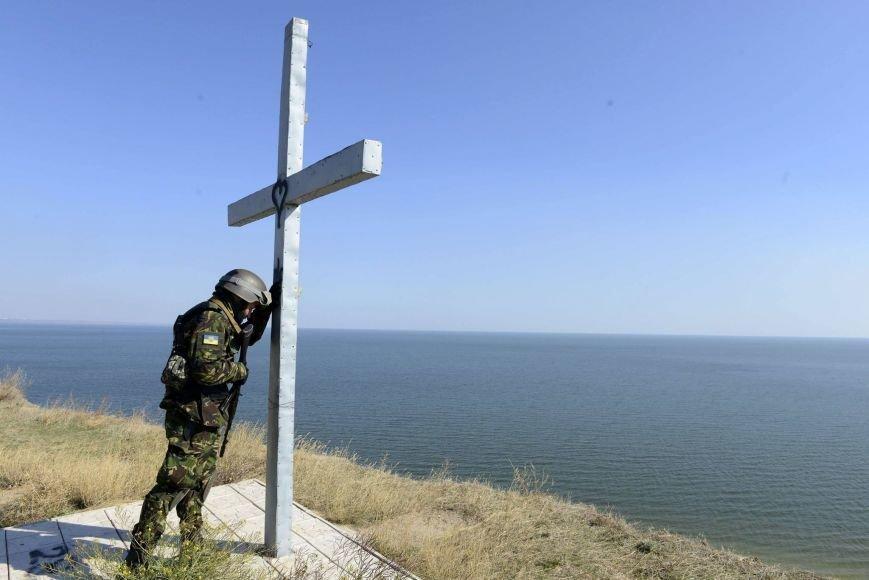 """Знаменитая фотография """"украинский солдат в молитве"""" сделана в Мариуполе (ФОТО), фото-1"""