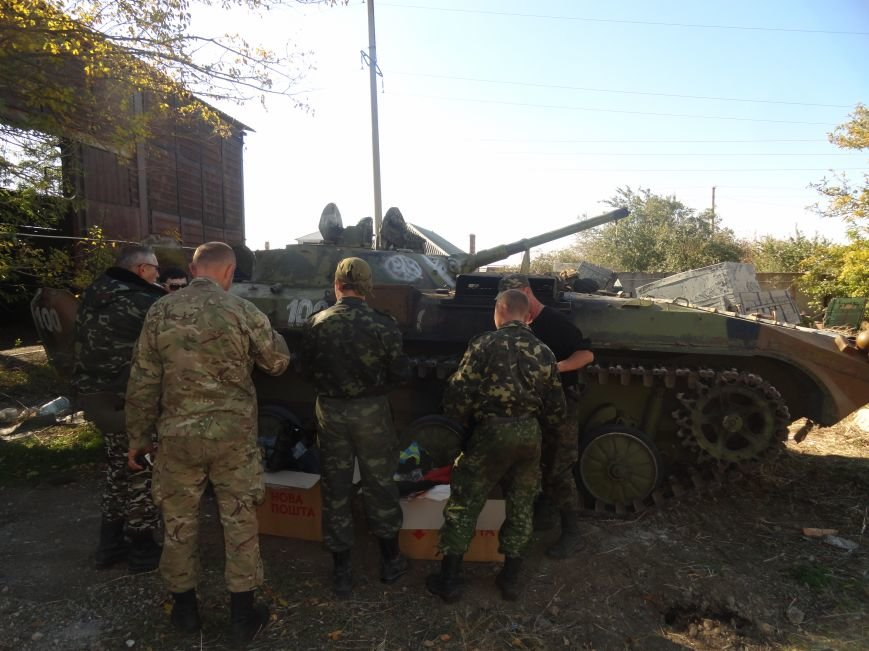 Сегодня под Мариуполем украинские танкисты отогнали танк ДНР от своих позиций (ФОТО), фото-2