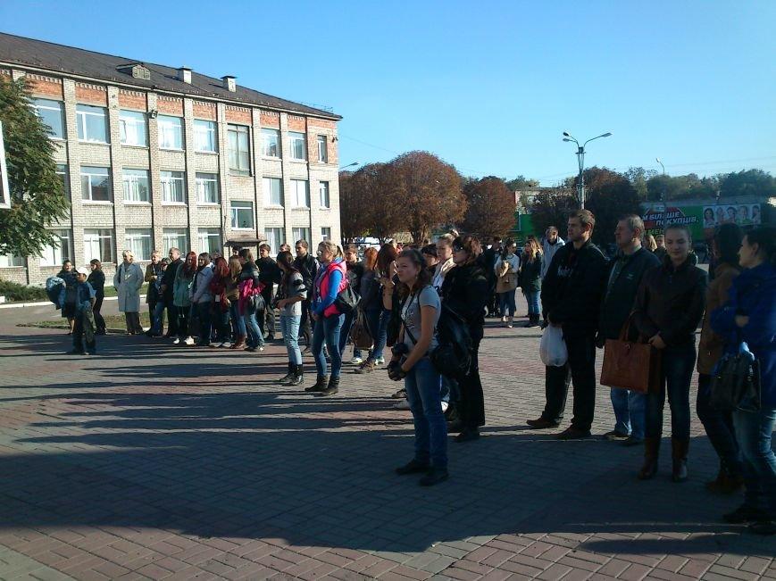 Благотворительный концерт «Мы за мир» провели студенты Днепродзержинского Музучилища, фото-3