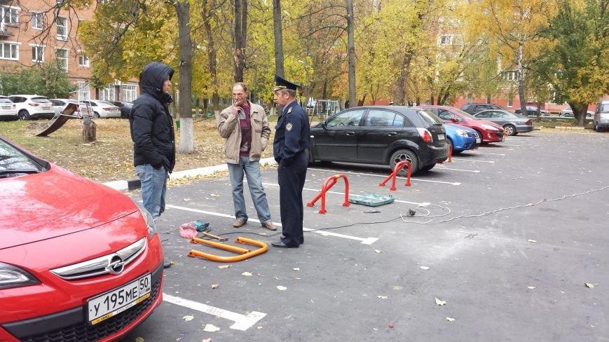 Госадмтехнадзор вступил в борьбу с захватом парковочных мест во дворах Домодедово, фото-1