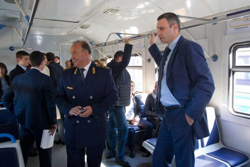 Мэр Киева прокатился на городской электричке (ФОТО), фото-4
