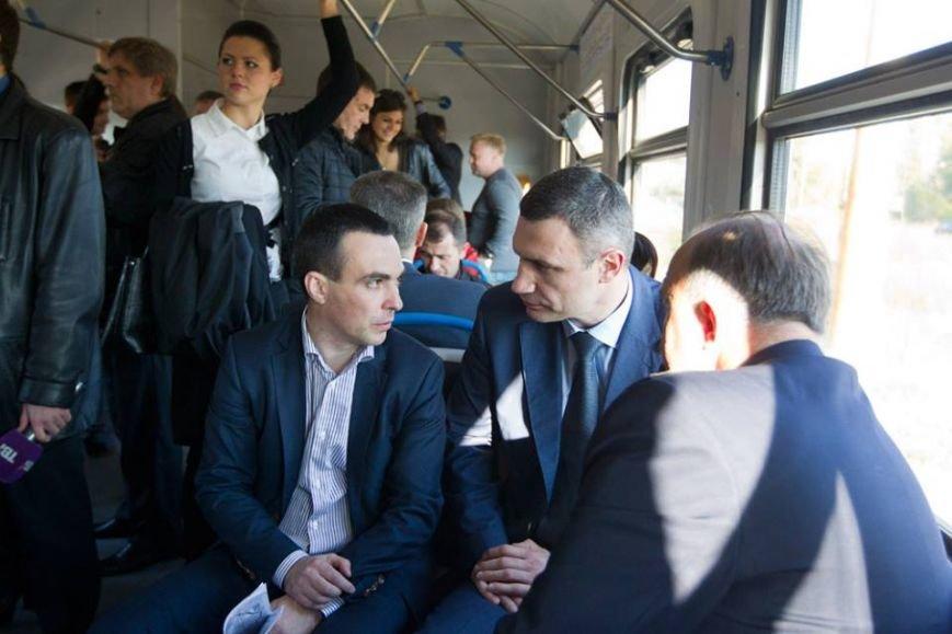 Мэр Киева прокатился на городской электричке (ФОТО), фото-5