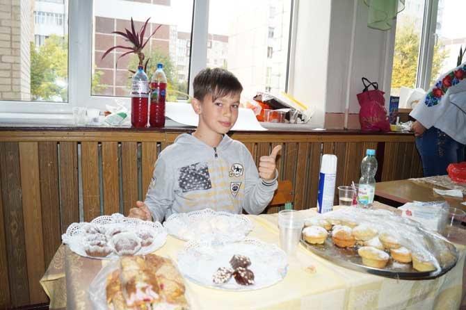 У Тернополі діти продавали солодощі, щоб допомогти бійцям АТО, фото-3