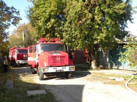 В Чернигове пожарные спасли от огня два жилых дома, фото-1