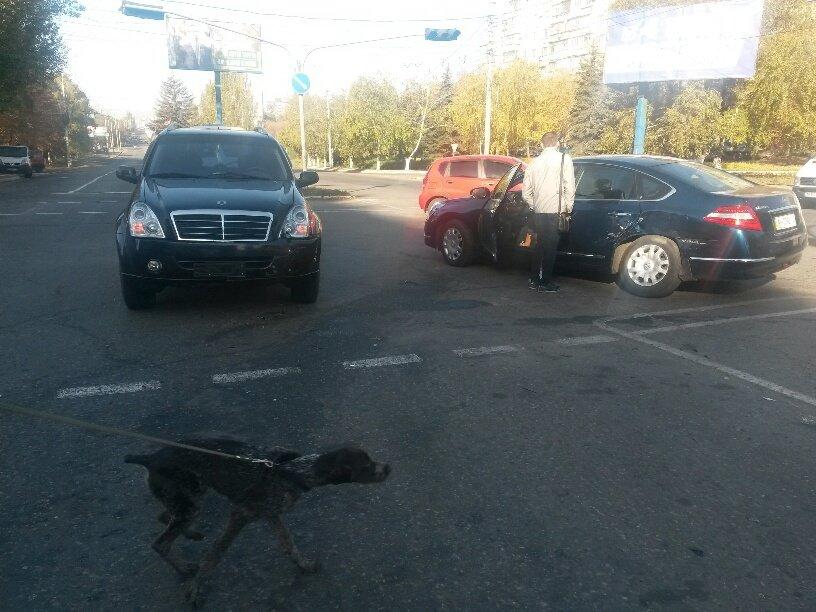 В Мариуполе иномарки не поделили перекресток (ФОТО), фото-1