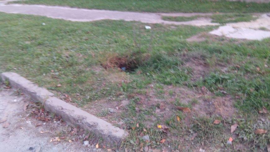 У Львові 9-річний хлопчик провалився у незачинений каналізаційний люк (ФОТО), фото-4