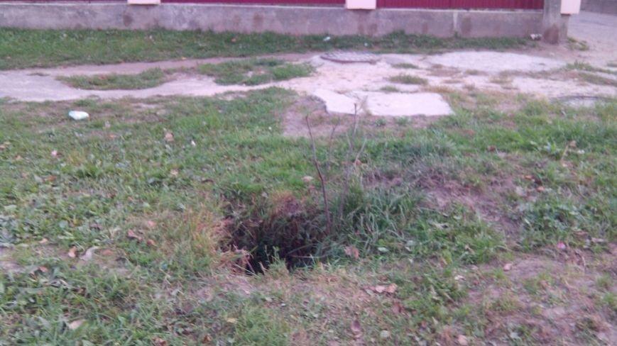 У Львові 9-річний хлопчик провалився у незачинений каналізаційний люк (ФОТО), фото-3