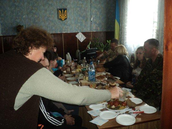 Криворожские бойцы Нацгвардии успели увидеть семью и поблагодарить волонтеров (ФОТО), фото-4