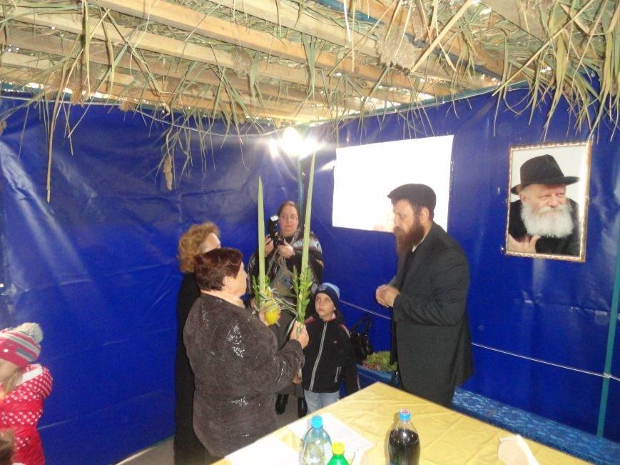 Еврейская община Мариуполя отметила праздник «Радости водочерпания» (ФОТОРЕПОРТАЖ), фото-5