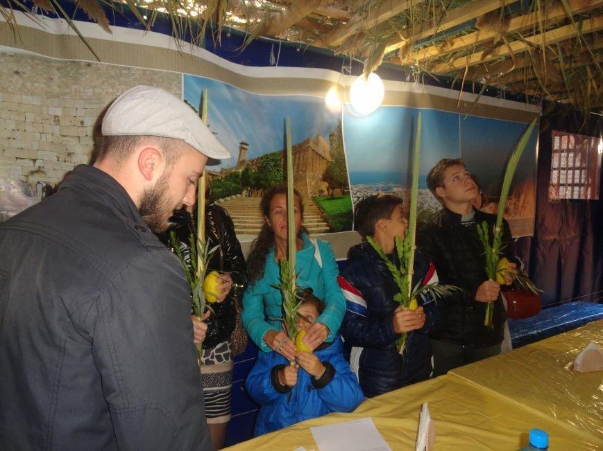 Еврейская община Мариуполя отметила праздник «Радости водочерпания» (ФОТОРЕПОРТАЖ), фото-4