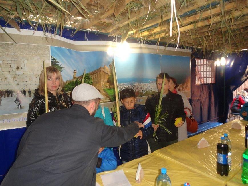 Еврейская община Мариуполя отметила праздник «Радости водочерпания» (ФОТОРЕПОРТАЖ), фото-3