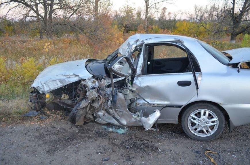 Под Харьковом легковушка врезалась в забитый людьми автобус: водителей и пассажиров забрали в больницу, фото-4