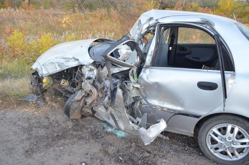 Под Харьковом легковушка врезалась в забитый людьми автобус: водителей и пассажиров забрали в больницу, фото-2