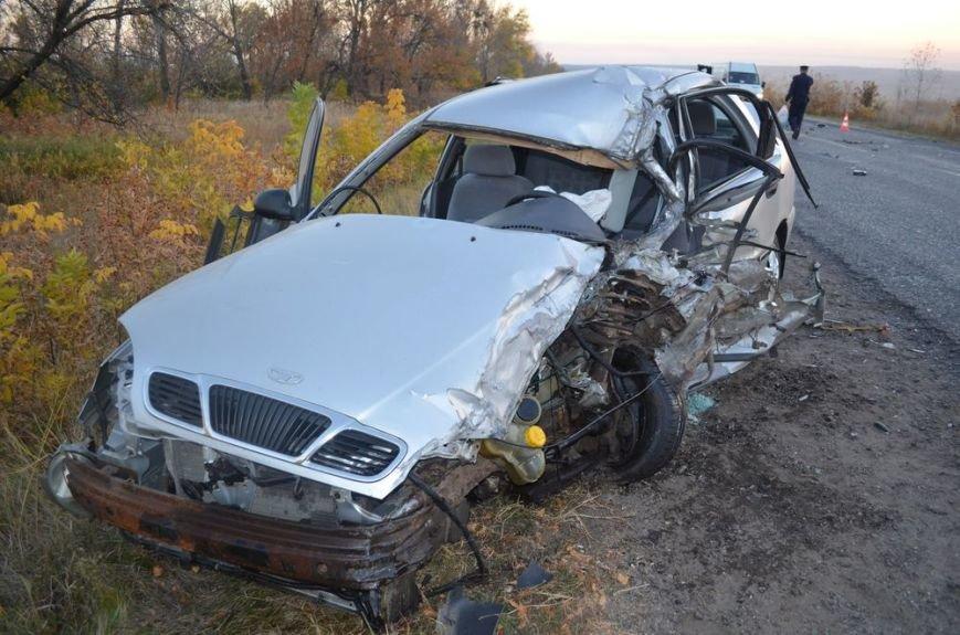 Под Харьковом легковушка врезалась в забитый людьми автобус: водителей и пассажиров забрали в больницу, фото-8