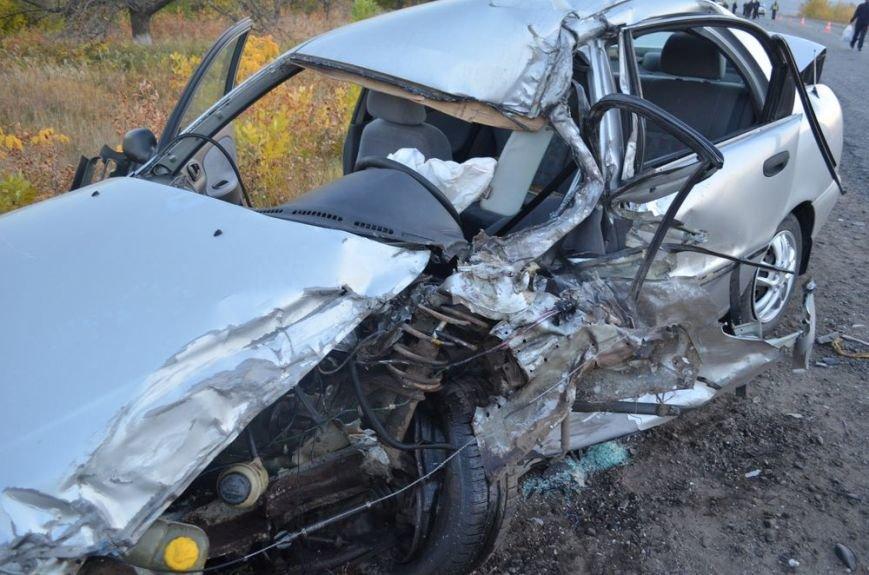 Под Харьковом легковушка врезалась в забитый людьми автобус: водителей и пассажиров забрали в больницу, фото-6