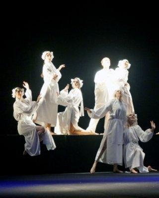 Актеры театра «Академия движения» представили на фестивале пластическую драму «І мертвим, і живим, і ненародженим…»., фото-3