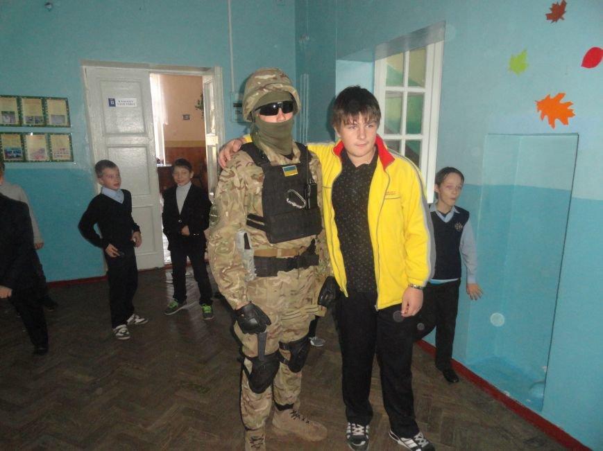 Военнослужащие батальона «Святая Мария» лепили украинские вареники с мариупольскими школьниками (ФОТОРЕПОРТАЖ), фото-6