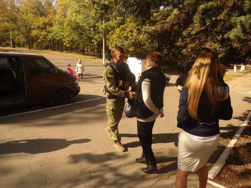 Военнослужащие батальона «Святая Мария» лепили украинские вареники с мариупольскими школьниками (ФОТОРЕПОРТАЖ), фото-1