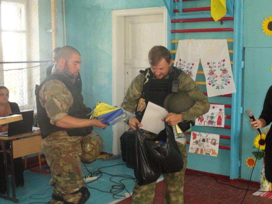 Военнослужащие батальона «Святая Мария» лепили украинские вареники с мариупольскими школьниками (ФОТОРЕПОРТАЖ), фото-13