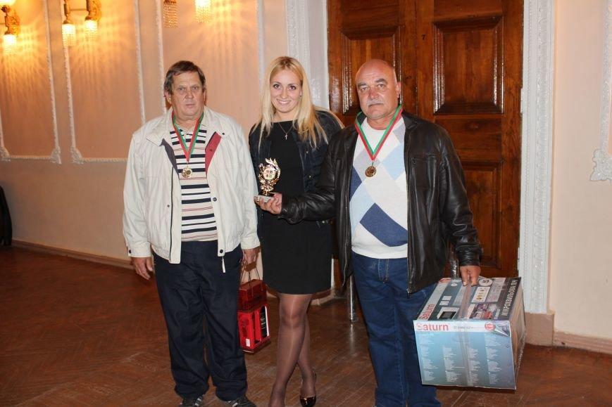 Кандидат в народные депутаты Катерина Шаповалова поздравила победителей турнира по парному домино (ФОТО), фото-3