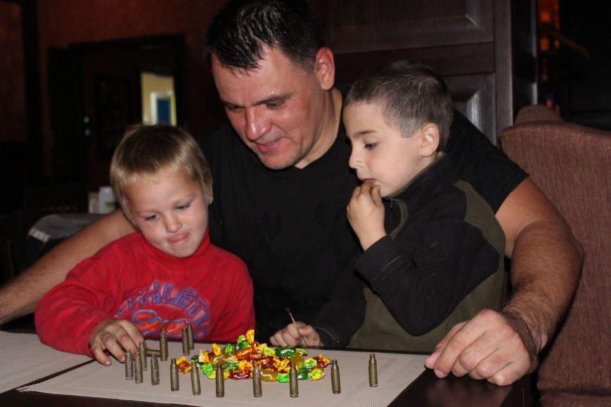 В Мариуполе дети-беспризорники жили на блокпосту (ФОТО), фото-4