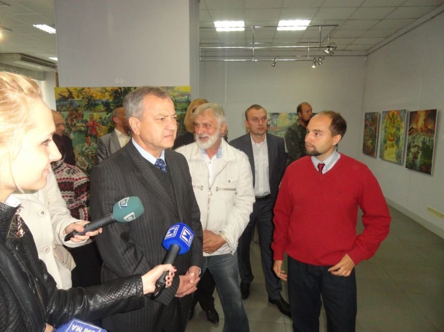 В Мариупольском центре современного искусства выставили картины, спасенные из плена ДНР (ФОТОРЕПОРТАЖ), фото-2