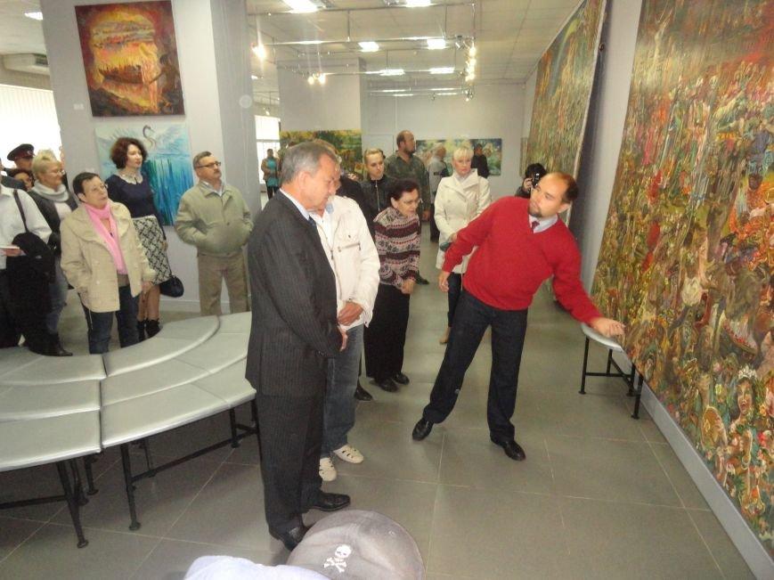 В Мариупольском центре современного искусства выставили картины, спасенные из плена ДНР (ФОТОРЕПОРТАЖ), фото-6