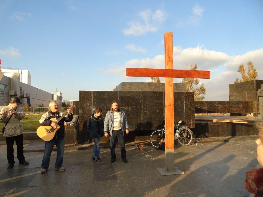 Христиане Мариуполя установили новый крест на площади Ленина (ФОТОРЕПОРТАЖ), фото-3