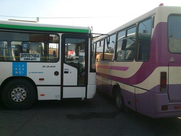 Беспредел или передел?  В Днепродзержинске снова заблокировали новый маршрут на Днепропетровск, фото-4