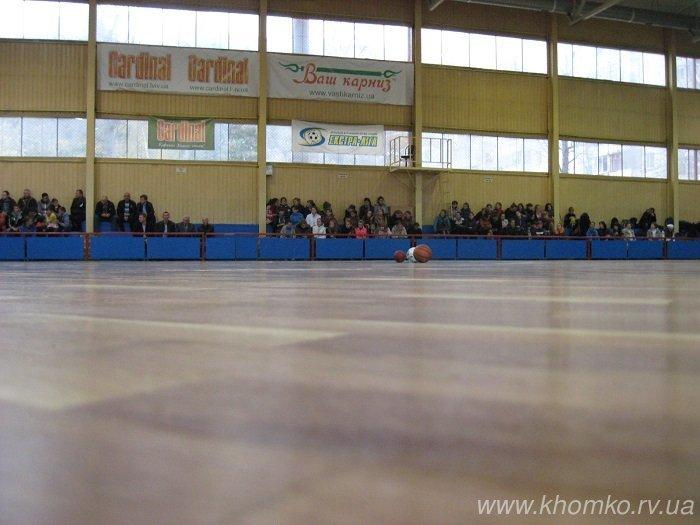 У центральному спорткомплексі Рівного урочисто презентували оновлений ігровий зал (Фото), фото-16