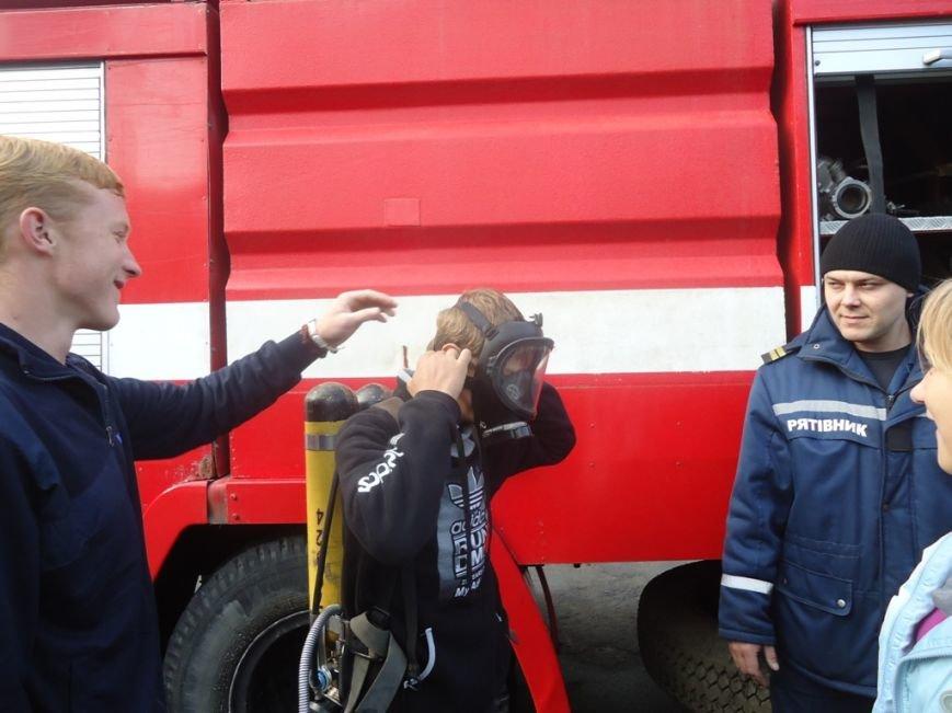 Участники кружка «Юный спасатель» посетили с экскурсией спасателей Суворовского района Херсона, фото-4