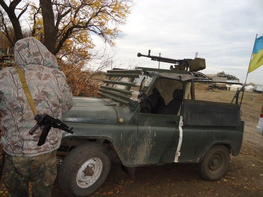 Криворожские волонтеры привезли помощь разведчикам 17 танковой и «проведали» БТР, который ремонтировали всем городом (ФОТО), фото-6