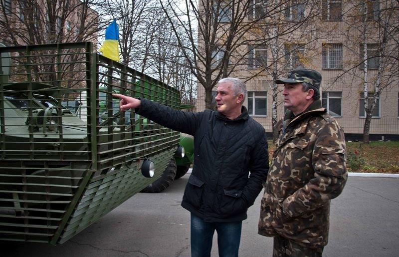 Військам АТО передали бойові розвідувальні машини, відновлені полтавськими підприємцями, фото-1
