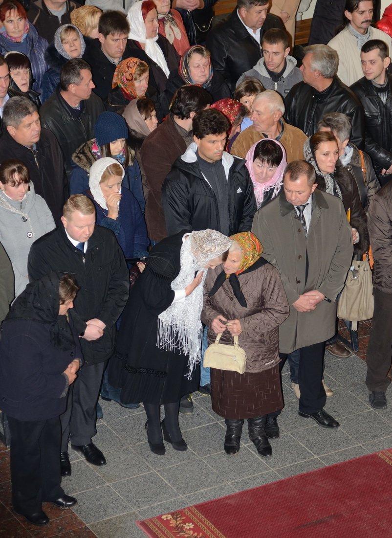 Юлія Тимошенко помолилася в Зарваниці за мир в Україні (фото), фото-1
