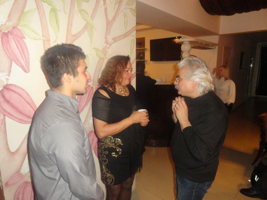 В Литературно-музыкальной гостиной Мариуполя открывали новые имена поэтов и бардов  (ФОТОРЕПОРТАЖ), фото-6
