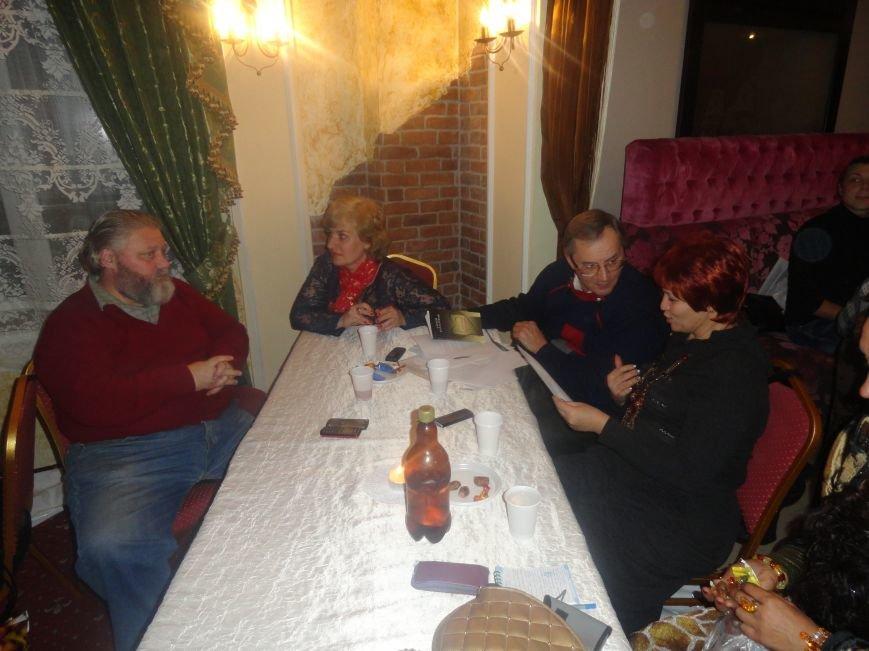 В Литературно-музыкальной гостиной Мариуполя открывали новые имена поэтов и бардов  (ФОТОРЕПОРТАЖ), фото-8
