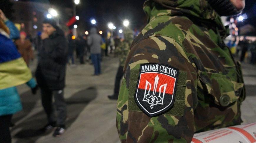 Марш «Последнего сопротивления старой власти» в Харькове: мусорные баки и сожжение агитационных листовок (фото+видео), фото-6