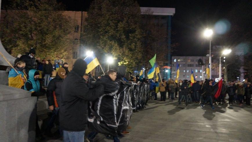 В Харькове прошел Марш «Последнего сопротивления старой власти», а террористы хотели взорвать пиротехнический завод, фото-1