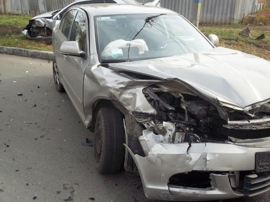 В центре Харькова столкнулись две иномарки: пострадала женщина, фото-3