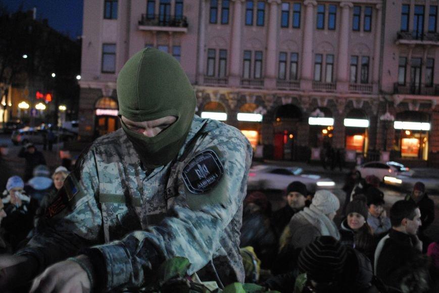 Пианист-экстремист дал концерт под памятником Шевченко в Харькове, фото-8