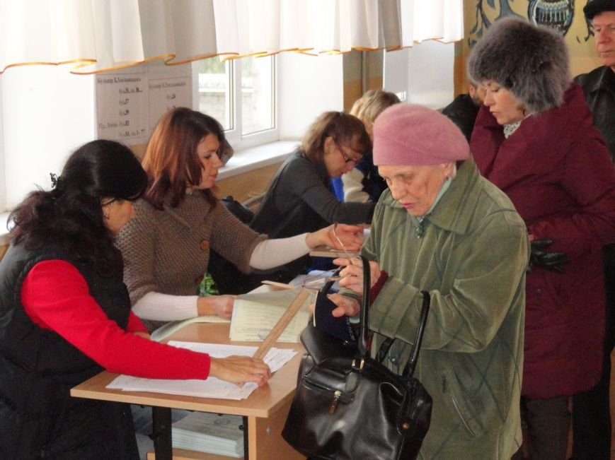 В Мариуполе начались выборы (ФОТОРЕПОРТАЖ), фото-12
