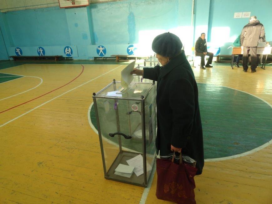 В Мариуполе начались выборы (ФОТОРЕПОРТАЖ), фото-9