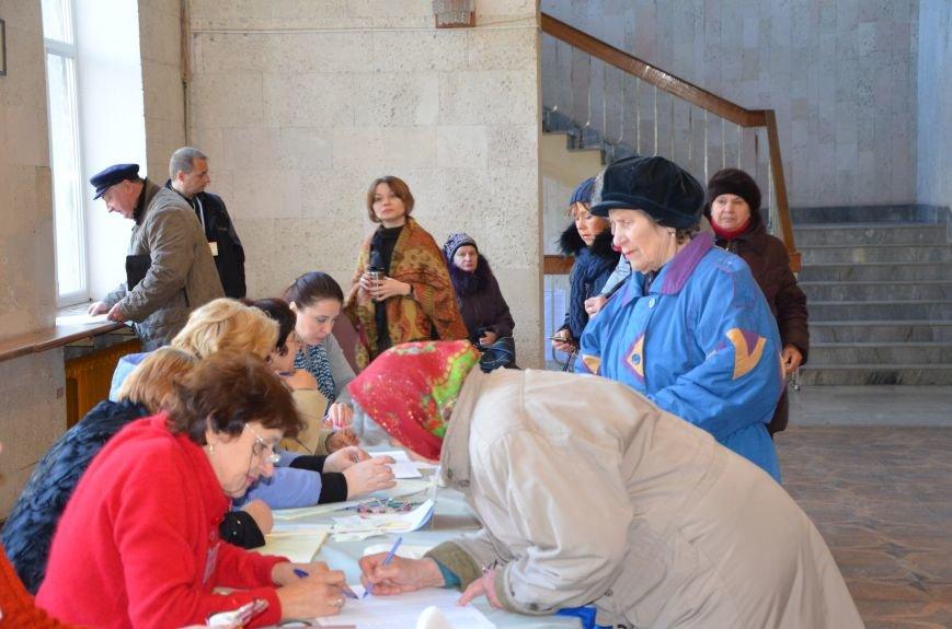 В Мариуполе избирательные участки открылись без военных (ФОТО), фото-3