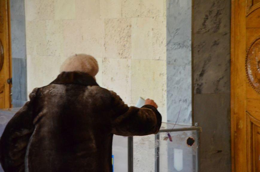 В Мариуполе избирательные участки открылись без военных (ФОТО), фото-2